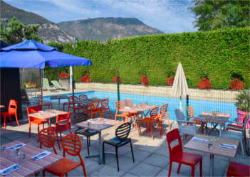 piscine-restaurant-relais-sassenage